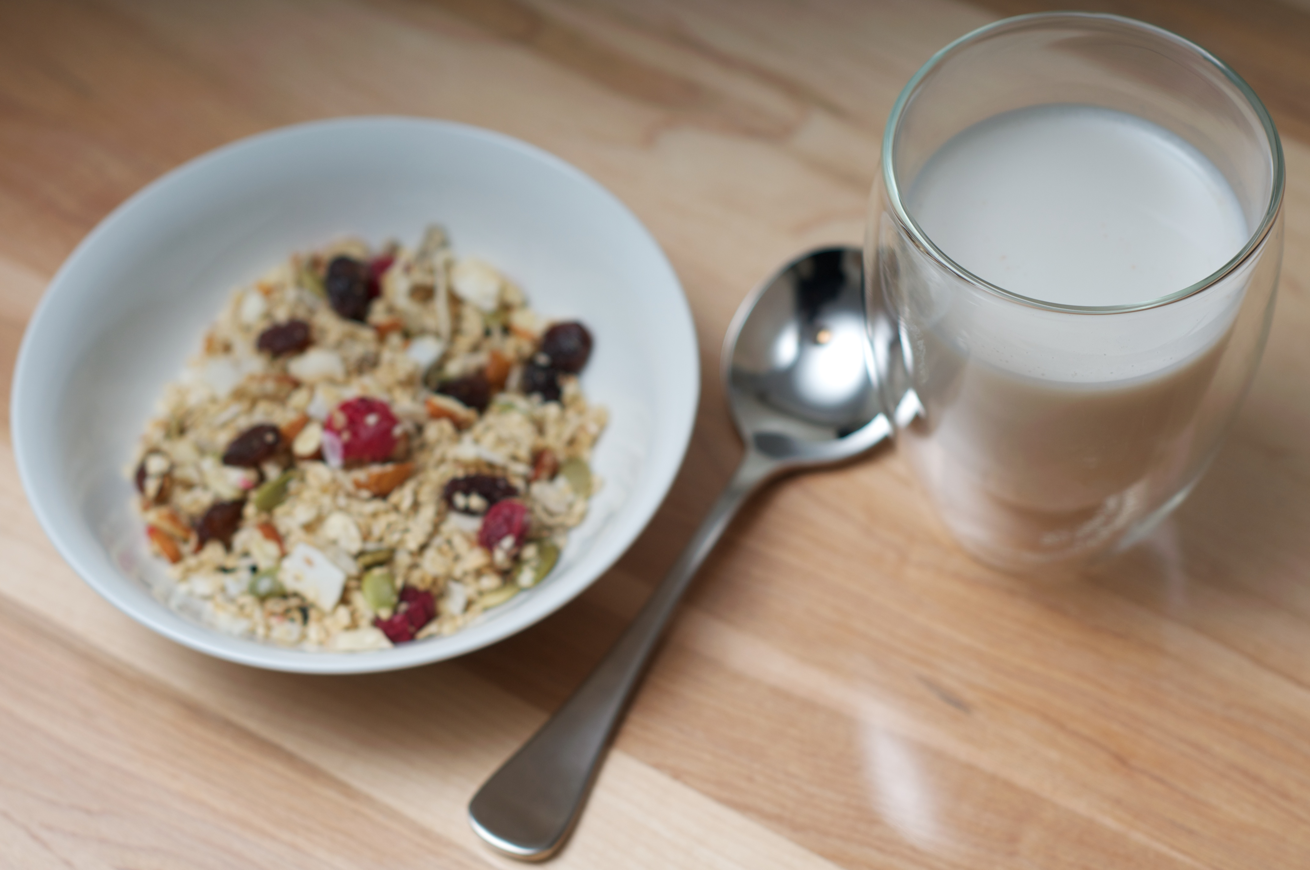 Homemade granola goodness marni wasserman get inspired to eat wouldnt it be nice to sit down to a bowl of delicious granola in the morning knowing you made it and that it tasted better than anything you bought in a solutioingenieria Choice Image